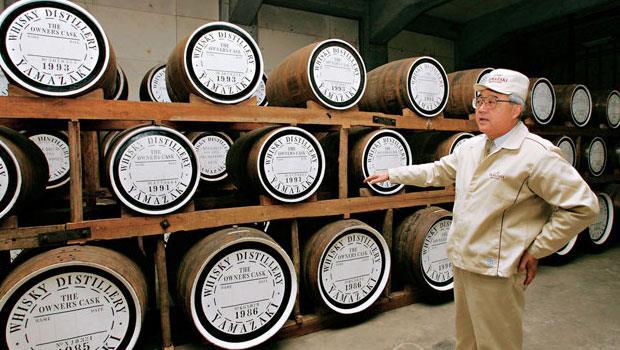 日本的陳年威士忌廣獲亞洲酒客追捧,尤其是已關閉的酒廠庫存貨,等不到上架就被高價搶購。