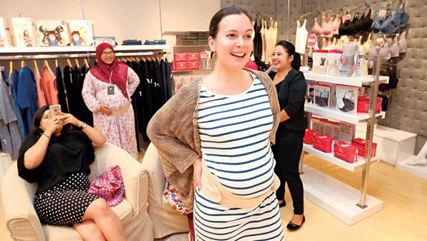 台灣母嬰用品大廠Mamaway把哺乳衣帶進印尼,一件定價在新台幣2千元以上,約當地人五分之一月薪,卻深受高端族群喜愛。