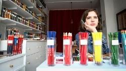 大家都不寫字了,這個25歲女生專賣「鉛筆」的小店,竟變紐約新觀光景點