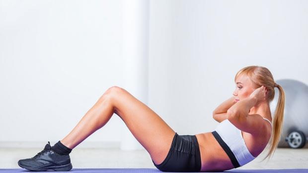 瘦肚子這樣做有用嗎?真人實測:做了5000個仰臥起坐,結果是…