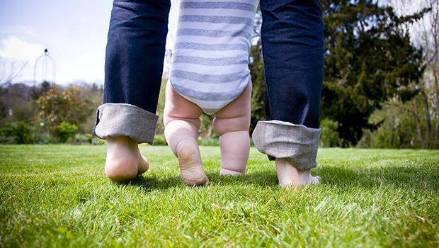 為什麼護士、月子阿姨只跟媽媽討論小孩?荷蘭爸爸:只要把「媽媽」改成「家長」就夠了