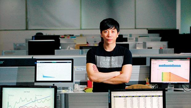林怡仁,成長駭客,每天上班的10 小時,大部分時間就是盯數據,找行銷盲點,從中挖掘使用者的習慣與需求。