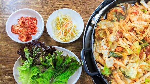 炒雞裹起司、50種小菜吃到飽...不用衝韓國也吃得到!網友推薦台灣10大人氣韓式餐廳 - 商業周刊