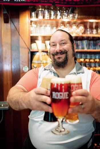 有型落腮鬍、啤酒與啤酒肚,Rogue的酒保簡直是波特蘭活招牌。