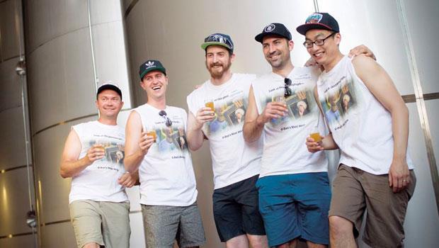 來自加拿大的男孩們參加Brewvana啤酒之旅,看表情就知道他們喝得多開懷!