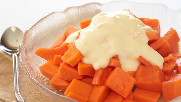 胃脹氣很難受,該怎麼辦?吃這2種水果助消化、按摩5個地方能排氣