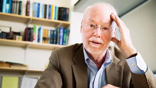 夏爾普是1993 年諾貝爾生醫獎得主,諾貝爾獎委員會特別將夏爾普的得獎研究製作成獎牌,送給他當紀念。