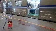 松山火車站區間車傳起火爆炸 25人受傷