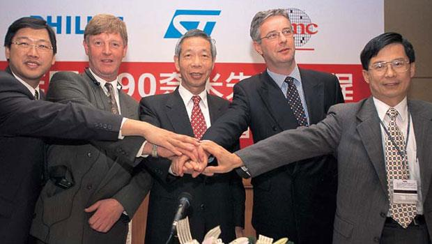 台積電與飛利浦最後一次合作,是2002年合組研發聯盟,3年後飛利浦決定淡出半導體業。