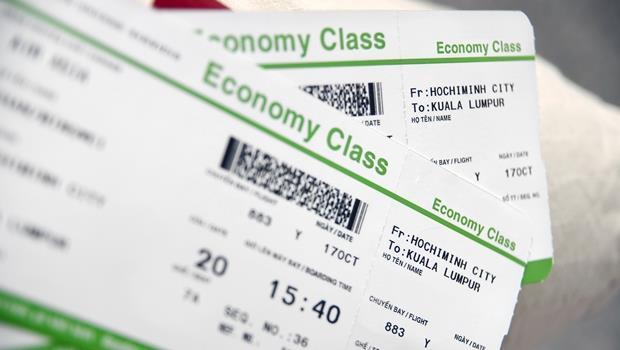機票就是你的教科書!記住這7個多益常考英文單字,看懂航空公司退換票規定
