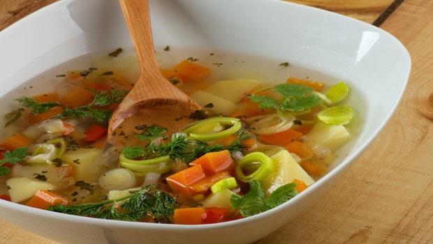 夏天濕熱脾胃差...中醫師推薦:番茄加4種菜煮成湯,鹼化體質、清心降火