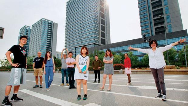沒想到偏僻南京市郊,竟吸引一群以台大生為主的菁英創業!秘密之一就在該孵化器與台灣13 所大專院校合作。