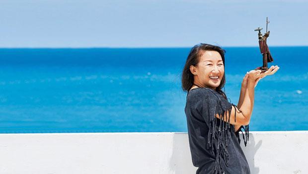 吳娟的第一個鐵雕作品〈唐吉軻德〉。她很喜歡這號人物,她說,活在自己世界的人,生命有許多變化,好玩多了。