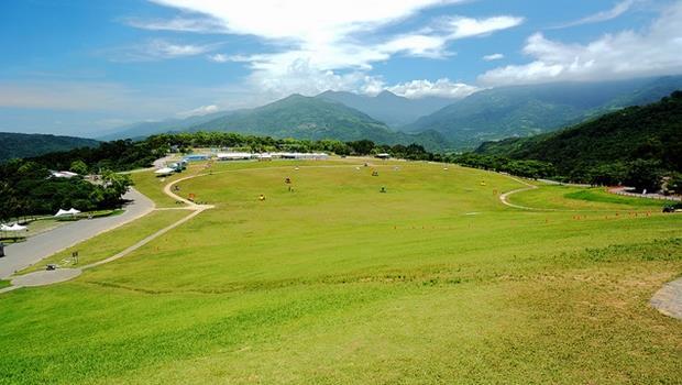 把握暑假尾聲,避暑該去海邊還是山上?網友推薦最消暑台灣10大景點