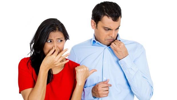 工作一整天,身上瀰漫「疲勞臭」?日本醫學博士:3種食物養好肝,消除異味!