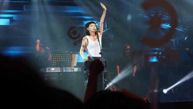藝人不向中國道歉,賺更多?香港雨傘運動歌手何韻詩,2萬張門票被秒殺的啟示
