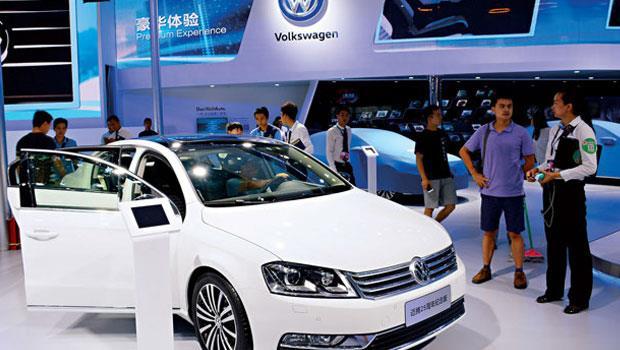 今年上半年,福斯在全球比豐田多賣出12 萬輛車,旗下品牌保時捷、奧迪也為銷量做出貢獻,排氣門對部分消費者顯然不是問題。