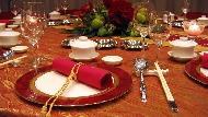 吃相不好,圓桌比方桌更容易漏餡...吃中餐更要注意的8個隱藏禮儀地雷!