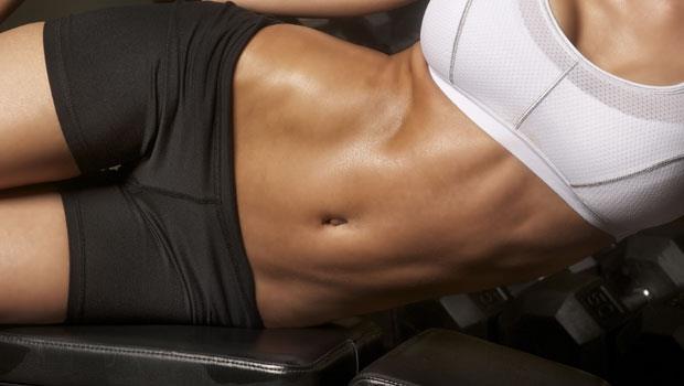 別搞錯了,核心肌群只練腹肌是不夠的!4個動作練出360度完美身材