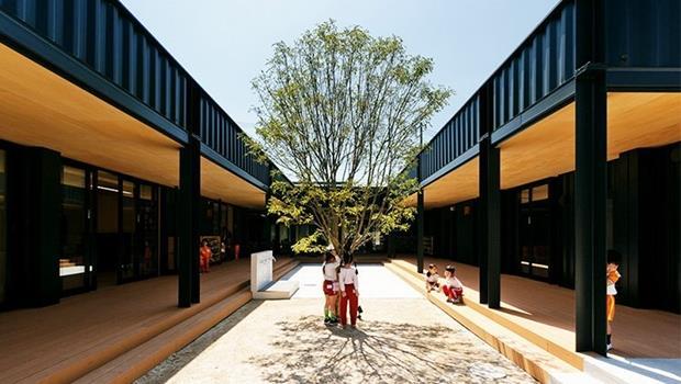 有圖!日本這家幼稚園用廢棄貨櫃打造「無印風」教室,還能抗震