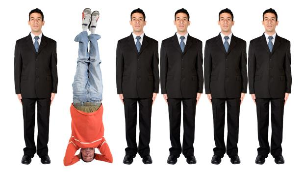 想在職場被喜歡,應該要「投其所好」還是「與眾不同」?美國一個實驗告訴你結果