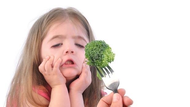 「你敢吃青椒了耶~好棒!」為什麼這樣勸孩子吃蔬菜,會有反效果?