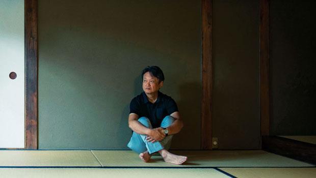 多摩美術大學美術學院綜合設計專業教授、日本民藝館館長 深澤直人