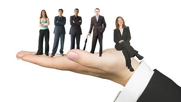 人生第一份工作該怎麼選?忘掉你熱情與擅長的事,選有「視野」的工作