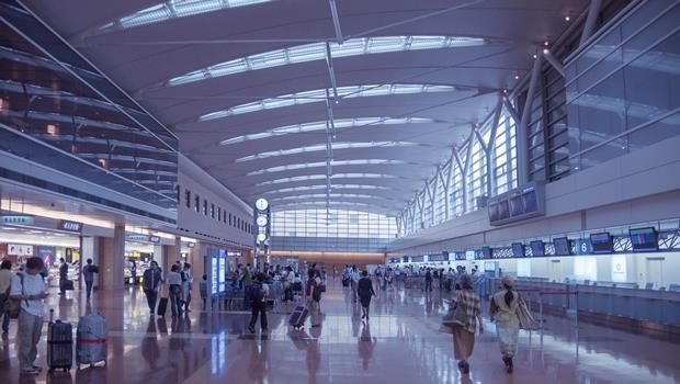 下次去日本一定記得試試看!羽田機場用這台機器人能導航還可以帶路