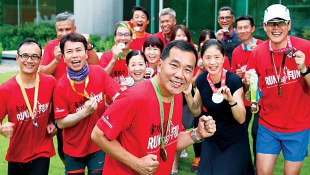 傅枝火最初不願讓人看到自己跑步汗流浹背模樣,但在臉書放上跑步照,反結交更多夥伴。