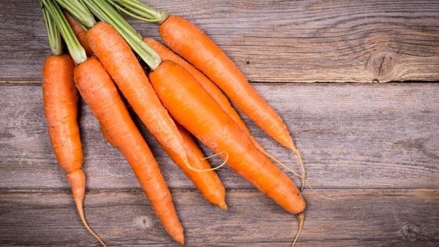 生吃就浪費了!胡蘿蔔是健胃「小人參」,拌●●一起吃還能消便秘~