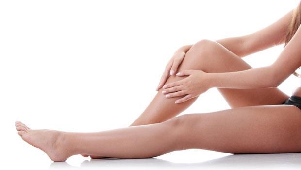 「經前水腫」讓妳體重上升又疲勞!醫師教你一個動作舒緩