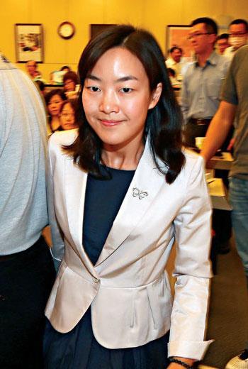 寶成執行長蔡佩君雖喊去年是「自動化元年」,卻不見她擴大投資智慧製造。