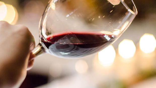 紅酒防老抗氧化?英國衛生部:任何酒都可能致癌!一天一杯,乳癌風險增加13%