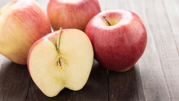 食物就是最好的補藥!小孩著涼拉肚子,中醫教授:一顆「蒸蘋果」治腹瀉又開胃