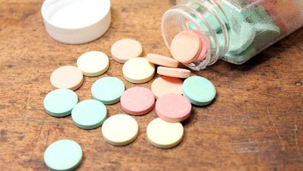 膝蓋痛就買鈣片吃?錯!藥師告訴你:買保健食品前,一定要問的5個問題