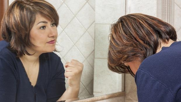 鏡子不只能照出樣貌?日本開發這款「魔鏡」,站在前面就能檢測身體狀況