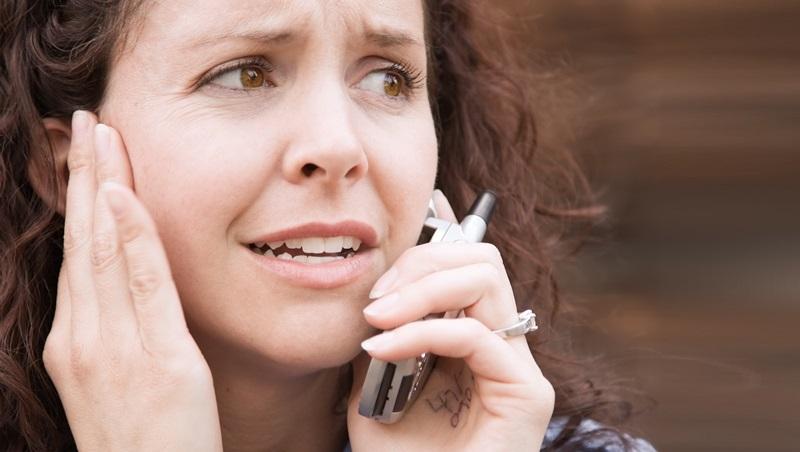 「媽~救我!」為什麼偽裝家人的電話詐騙,東方人特別容易被騙?
