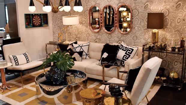 Jonathan Adler是美式家居的指標品牌,表現中上階級的家具品味:貴氣外露的奢華感,重覆使用金色與幾何圖形,展間彷彿是一幅珠光寶氣的靜物畫。
