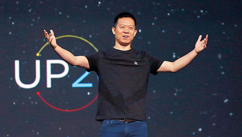 左批蘋果,右批小米,樂視創辦人賈躍亭無疑是當今中國最會惹事的科技業老闆,圖為賈躍亭在美國發表會上宣布樂視進軍美國。