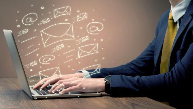 一天收300封email,照樣清空收件夾!效率大師教你「2分鐘定律」,提早1小時下班