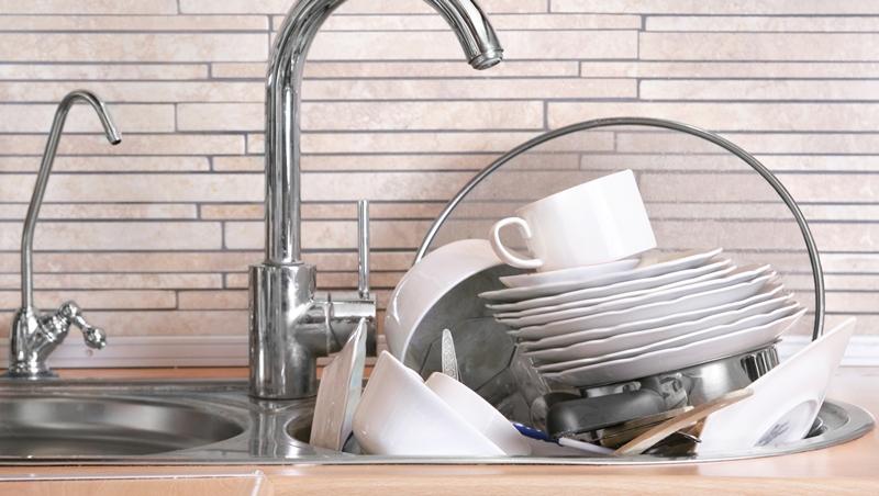 成堆的碗盤讓我看見人生道理》美國創業家從「洗碗」悟出5個職場成長關鍵