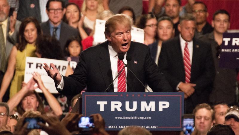 川普首度國會演說:想移民美國,錢不夠別想!