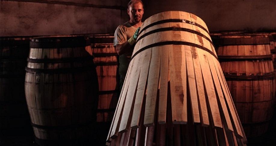 製程堪比建造摩天大樓的麥卡倫雪莉橡木桶