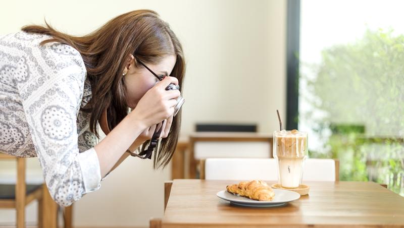 聚餐老是想不到要吃什麼?跟著他們不用怕踩雷!網友推薦10大熱門美食部落客 - 商業周刊