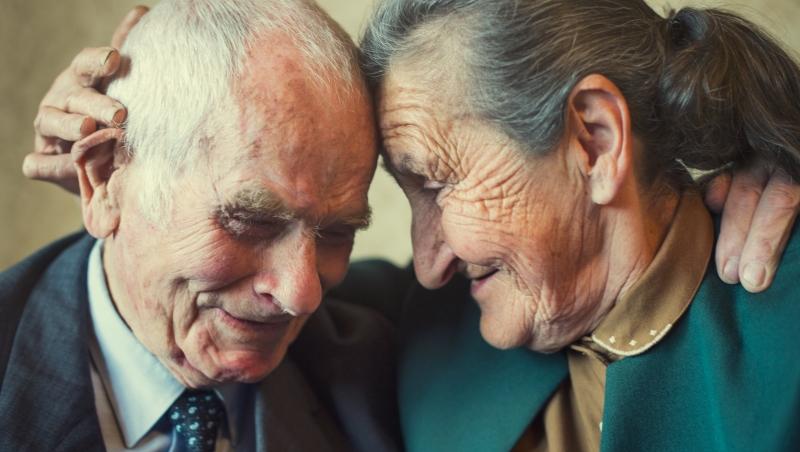 關於婚姻》愛情如何長久?那些令人稱羨的伴侶,都做到了「這兩件事」 - 商業周刊