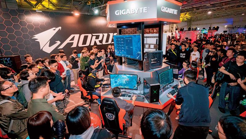 4天的亞洲最大電競活動WirForce,光現場600位玩家硬體配備,價值就超過4,200萬元。