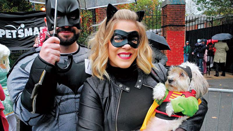 魯比斯拿下多家電影授權的角色服裝,包含最受歡迎的蝙蝠俠和漫威英雄系列,成為營收金雞母。