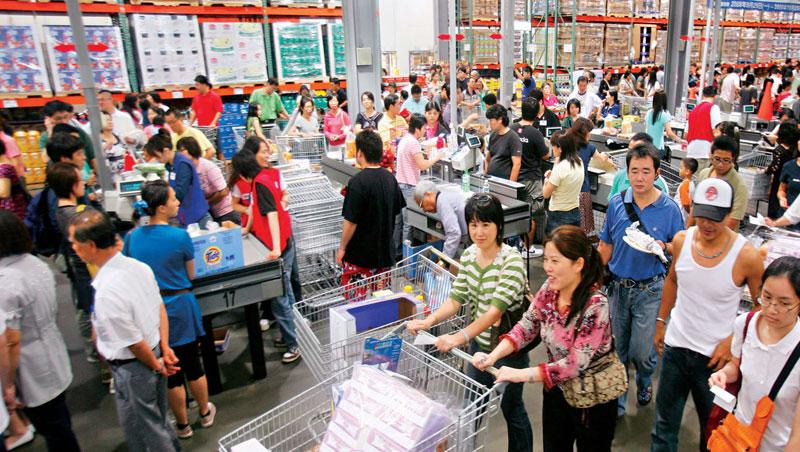 到好市多消費得先付會費,卻擊敗免費入會的同業,成台灣最大零售量販店。