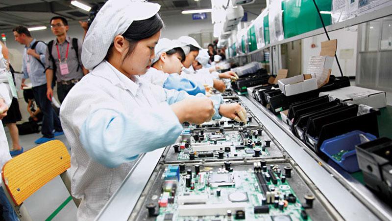 過去中國是勞力天堂,但近年中國勞力成本墊高,甚至快追上台灣。